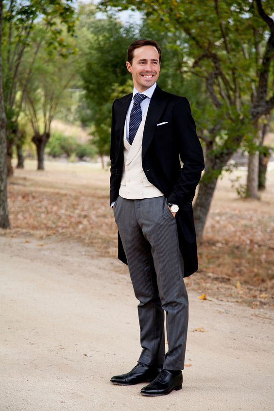 20 Elegant And Timeless Morning Suit Ideas