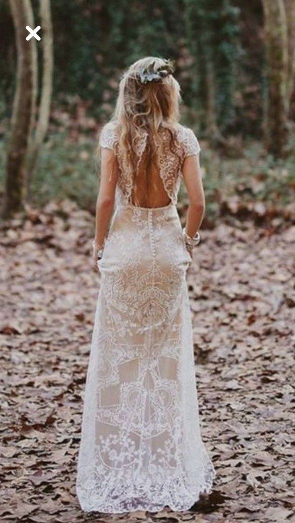50+ unconventional wedding dress ideas 44