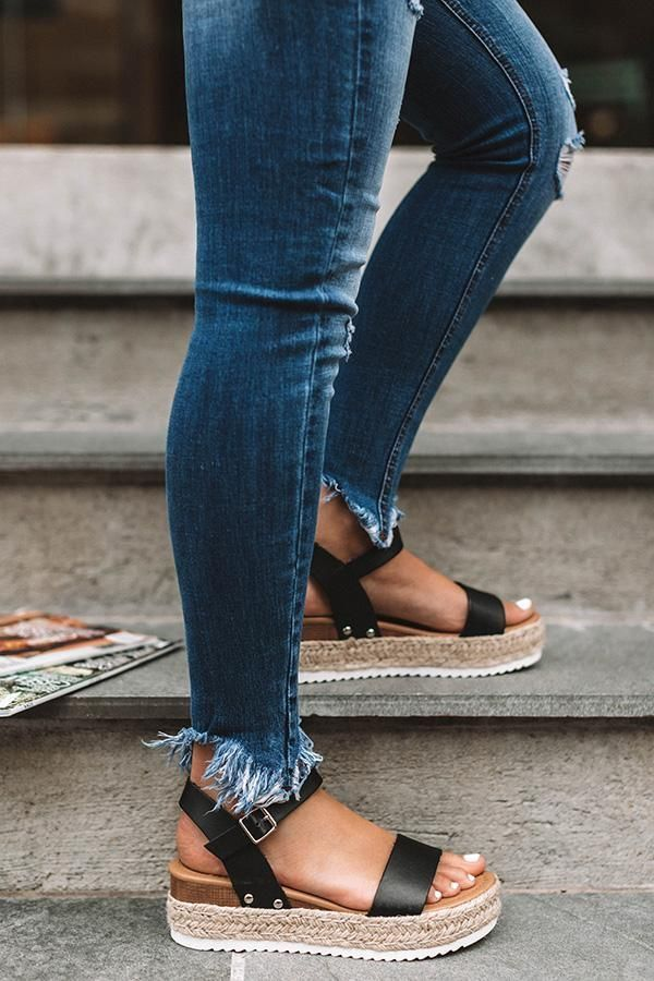 Casual summer fashion sandals outfits chic