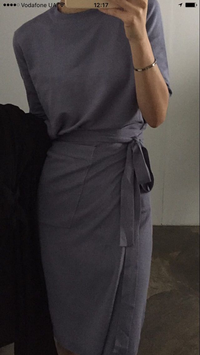 Chic wrap dress in gray