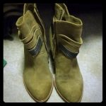 Chinese Laundry Shoes   Size 8 Chinese Laundry Boots   Color: Tan   Size: 8
