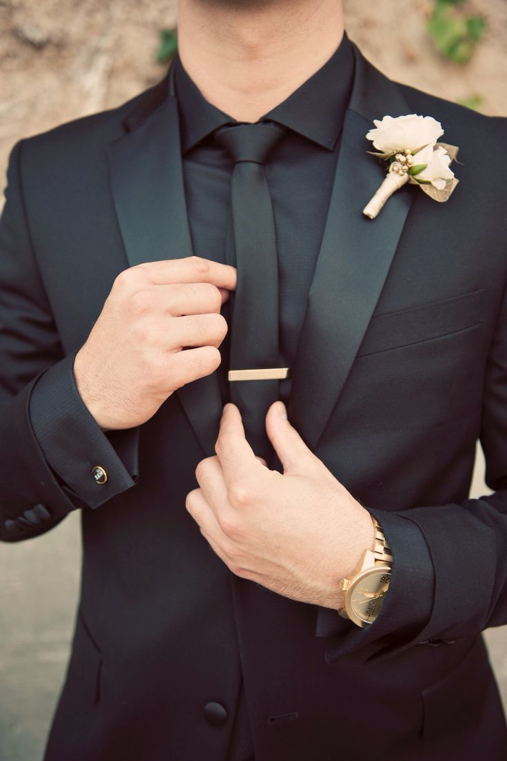 Groom black suit and gold accents at The Mountain Winery #themountainwinery #win