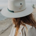 Le Victoria Off White Hat - SHOP