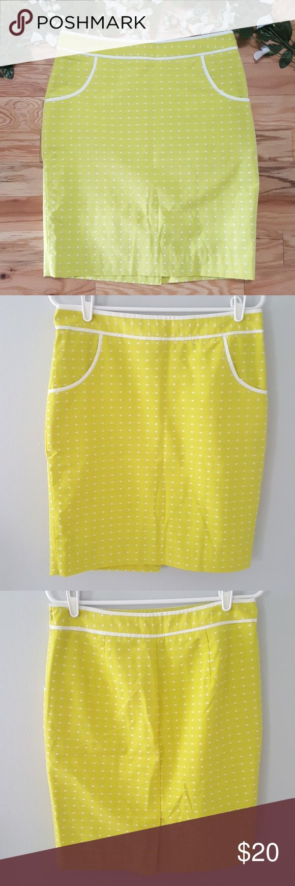 Limited Yellow and White Polka Dot Pencil Skirt This is a pre-owned The Limited …