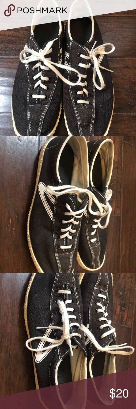 Men's casual sneaker – size 8.5 Men's black and white casual athletic shoes….