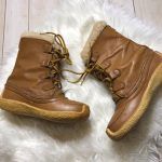 Sorel Women's Vintage Tan Chugalug Winter Boots Lace up style Removable faux f...