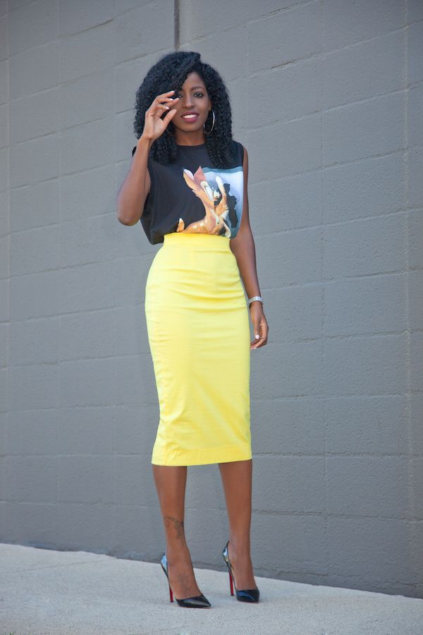 Yellow pencil skirts- a perfect attire for the banging the hearts